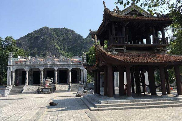 Temple Ninh Binh Vietnam
