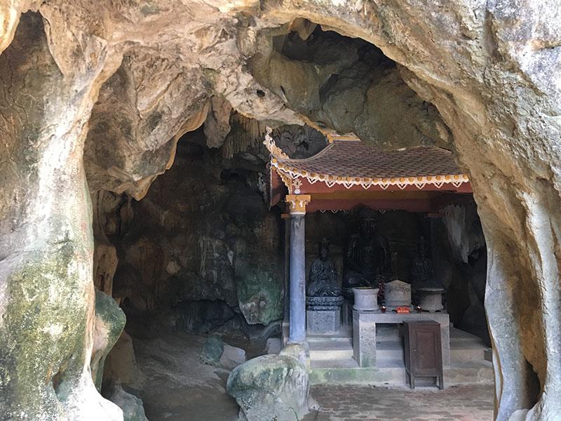 Grotte et temple Vietnam